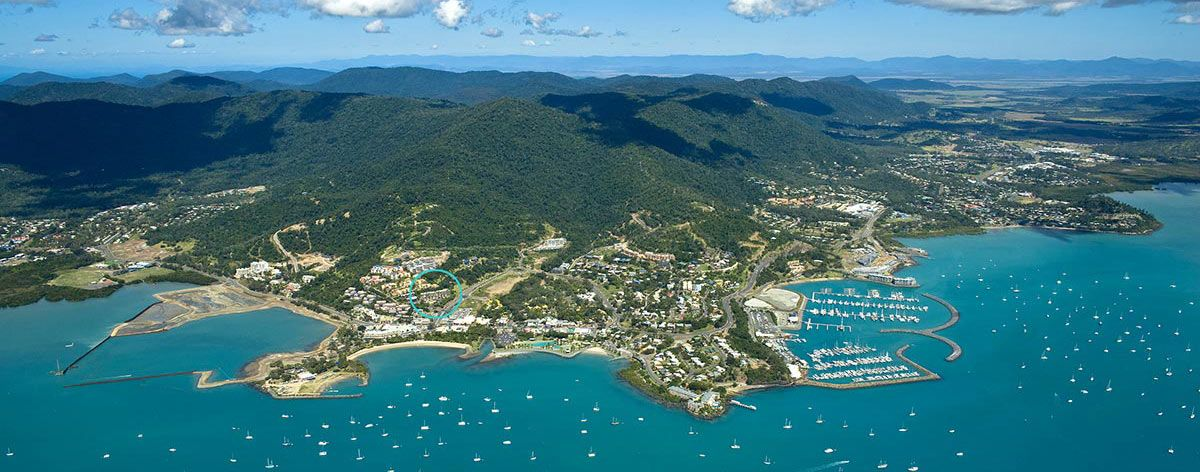 The Whitsunday Islands and the pristine waters of the Great Barrier Reef are just a daytrip away at Water's Edge, Airlie Beach accommodation.
